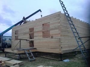 Заказать строительство деревянного дома из обычного бруса